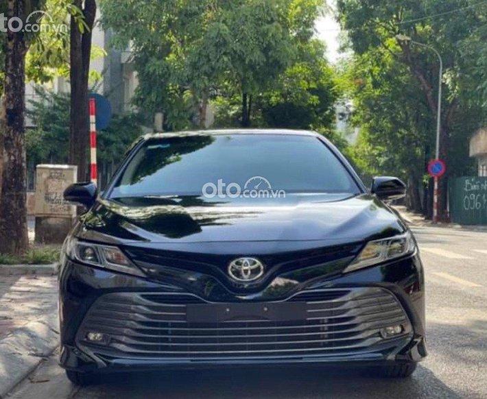 Bán Toyota Camry 2.0G sản xuất năm 2020, màu đen, nhập khẩu số tự động0