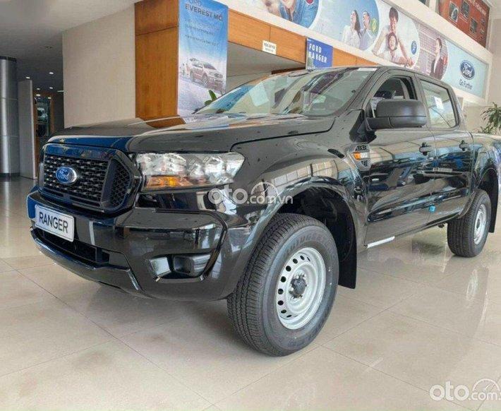 Bán xe Ford Ranger XL 2.2L 4X4 MT sản xuất 2021, màu đen0