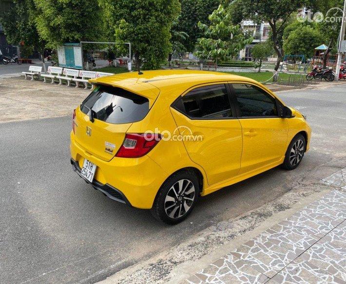 Bán ô tô Honda Brio RS sản xuất 2020, màu vàng, nhập khẩu  0