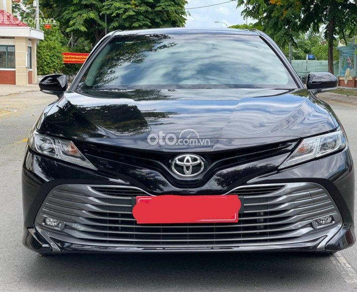 Cần bán gấp Toyota Camry 2.0 nhập khẩu, sản xuất năm 20190
