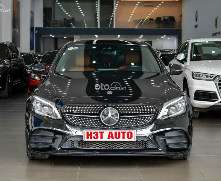 Bán xe Mercedes-Benz C300 AMG sản xuất 2019 xebảo dưỡng định kỳ0