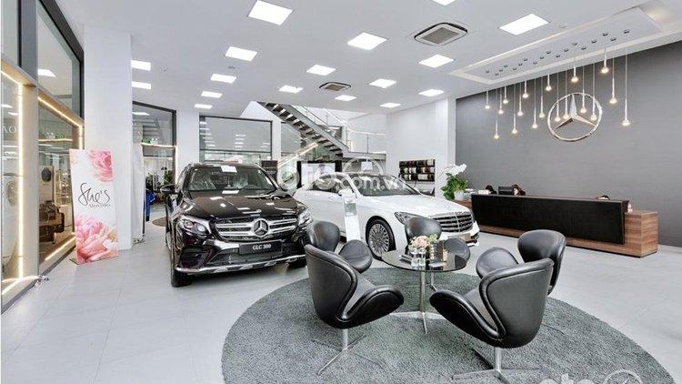 Mercedes-Benz Haxaco Kim Giang (2)
