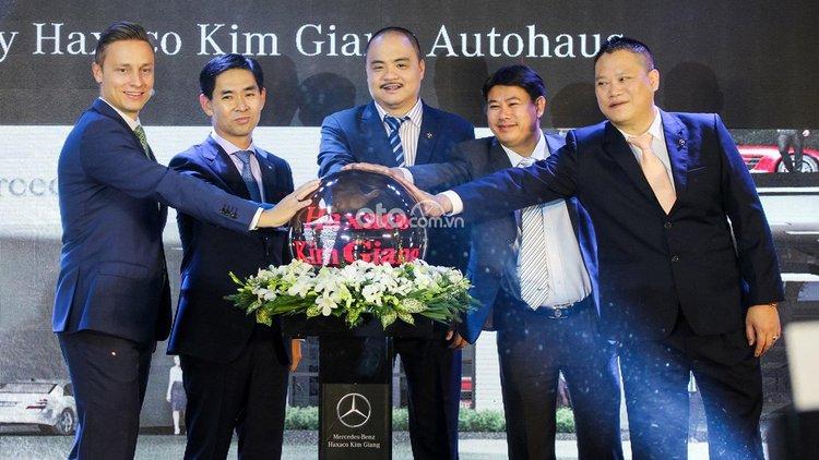 Mercedes-Benz Haxaco Kim Giang (10)