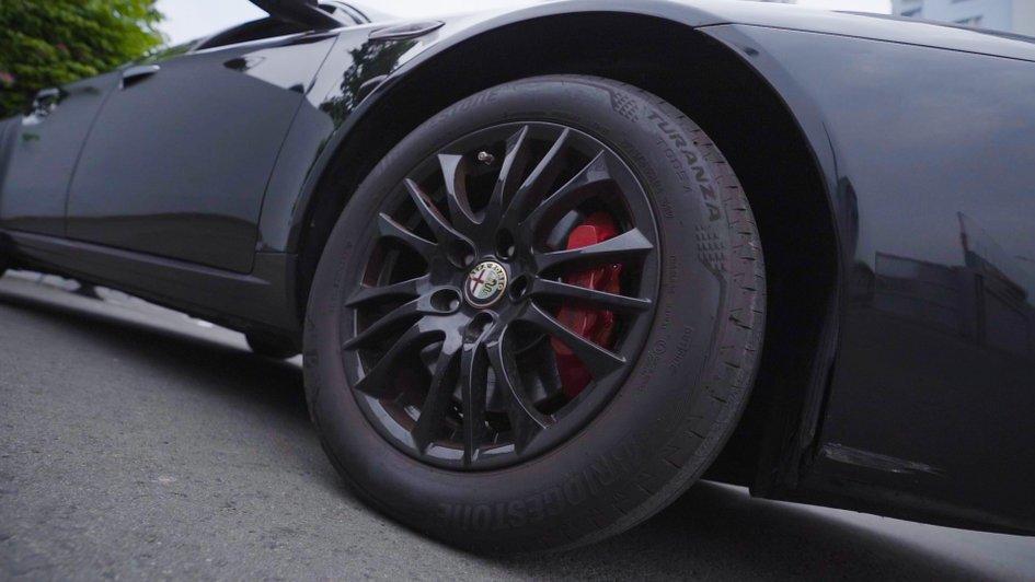 XE NGON GIÁ TỐT   Xe thể thao hiếm Alfa Romeo 159 đời 2013 giá chưa tới 1 tỉ. 2