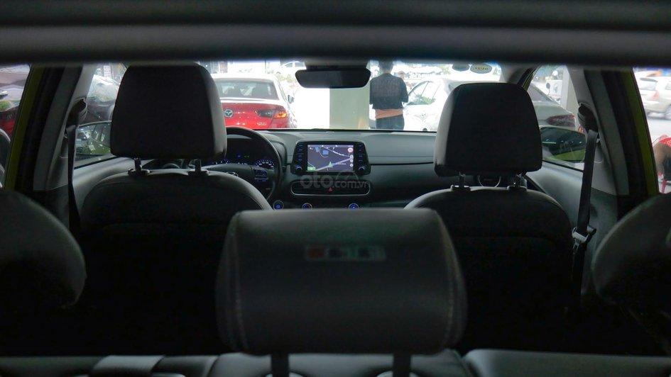 XE NGON GIÁ TỐT | Hyundai Kona 2019 1.6T màu xanh chuối độc đáo chờ chủ đón về giá chỉ 700 triệu. 4