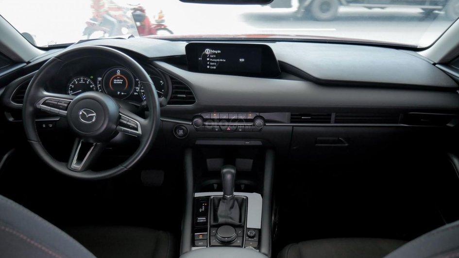 XE NGON GIÁ TỐT | Xe sedan lướt MAZDA 3 với ODO 12.000 km có giá chỉ hơn 600 triệu đồng. 2