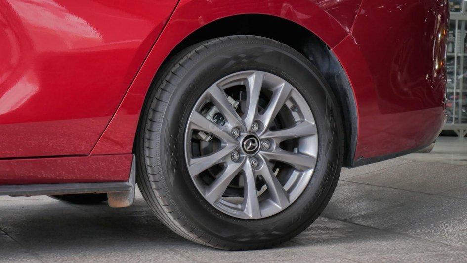 XE NGON GIÁ TỐT | Xe sedan lướt MAZDA 3 với ODO 12.000 km có giá chỉ hơn 600 triệu đồng. 7