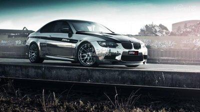 BMW M3 Coupe khoác lên mình bộ cánh mới bóng bẩy.
