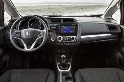 Honda Fit 2017 có giá từ 15.990 USD tại Mỹ a5