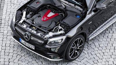 Mercedes-AMG GLC 43 Coupe 2017 được trang bị động cơ biturbo V6 3,0 lít, công suất 362 mã lực.