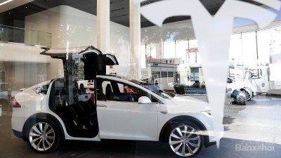 Các cảm biến an toàn cánh cửa trên Tesla Model X có thể đã bị vô hiệu hóa