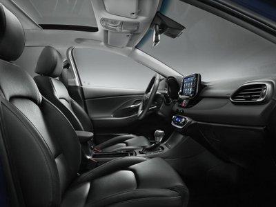 Hyundai i30 trở lại đường đua, chuẩn xe gia đình 7
