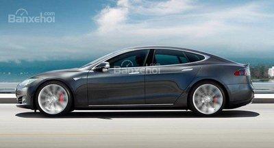 Tesla Model S gặp tai nạn, tài xế tử vong