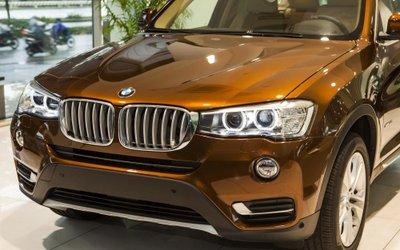 Thiết kế đầu xe BMW X3 phiên bản kỷ niệm 100 năm cho cảm giác sang trọng, rộng rãi.