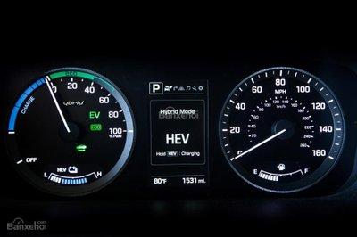 Hyundai Sonata Plug-in Hybrid 2017 có giá khởi điểm 35.435 USD 8
