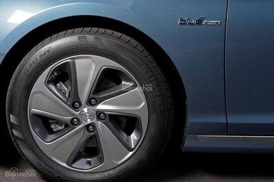 Hyundai Sonata Plug-in Hybrid 2017 có giá khởi điểm 35.435 USD 14