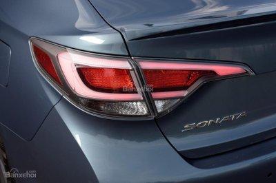 Hyundai Sonata Plug-in Hybrid 2017 có giá khởi điểm 35.435 USD 15