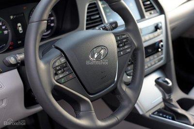 Hyundai Sonata Plug-in Hybrid 2017 có giá khởi điểm 35.435 USD 19