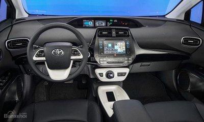 7.600 xe Toyota Prius 2016 bị triệu hồi do lỗi túi khí bên phía hành khách