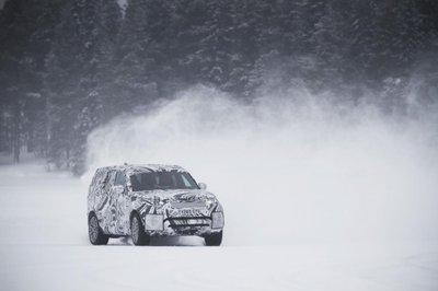 Cận cảnh Land Rover Discovery 2017 trước ngày ra mắt triển lãm Paris a14
