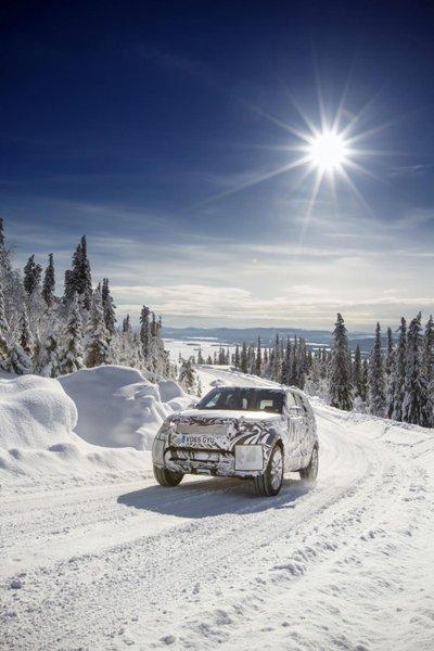 Cận cảnh Land Rover Discovery 2017 trước ngày ra mắt triển lãm Paris a13