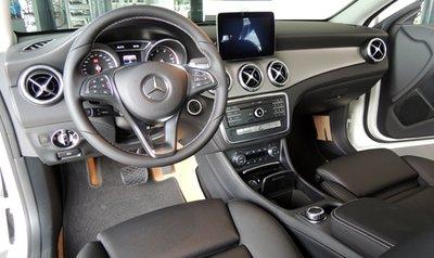 Mercedes CLA 200 cập bến Việt Nam, giá 1,5 tỷ Đồng 7