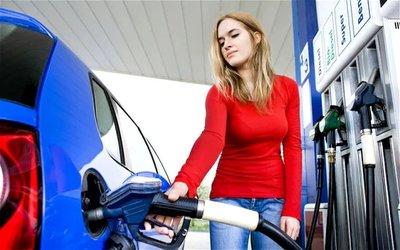 Người đi ô tô tại Mỹ lãng phí hơn 2 tỷ USD/năm mua xăng chất lượng cao.