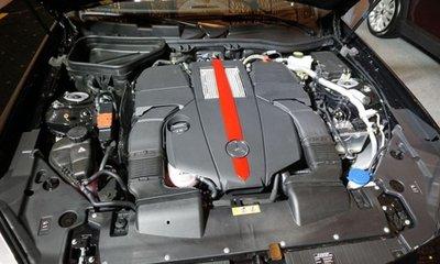 Mercedes AMG SLC43 2016 sở hữu động cơ V6 biturbo tăng áp kép, 3.0L.