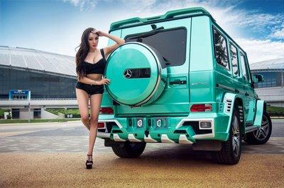 """Chân dài khoe ngực """"khủng"""" bên xe Mercedes-Benz G63 AMG a6"""