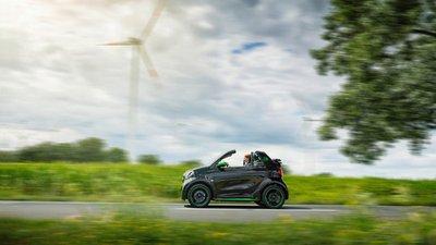 Xe điện Smart ForTwo Electric Drive 2017 chuẩn bị ra mắt, bền pin hơn xưa.
