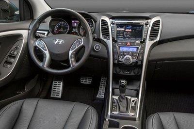 Hyundai Elantra GT 2017 ra mắt, giá từ 18.800 USD a9