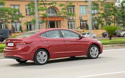 Hyundai Elantra 2016 được trang bị hàng loạt tiện ích đặc trưng.