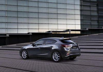 Mazda3 2017 ra mắt thị trường Mỹ với giá khởi điểm từ 397 triệu VNĐ.