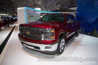Chiêm ngưỡng Chevrolet Silverado và GMC Sierra HD diesel 2017 mới ra mắt.