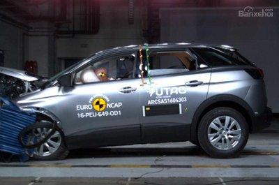 Mercedes-Benz E-Class và Peugeot 3008 đạt điểm an toàn tuyệt đối từ Euro NCAP.
