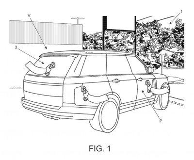 """Công nghệ mới của Land Rover cho phép """"đi bộ"""" cùng xe."""