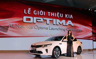 Xe lắp ráp Kia Optima 2016 ra mắt thị trường Việt, chốt giá từ 915 triệu Đồng.