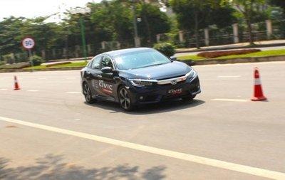 Honda Civic Turbo 2016 tại Việt Nam không dính lỗi phanh điện tử như ở Bắc Mỹ.