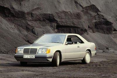 Mercedes E-Class Coupe và lịch sử 30 năm thăng trầm 1