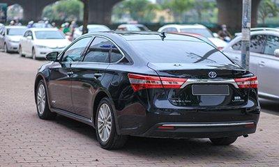 Toyota Avalon 2013 đuôi xe