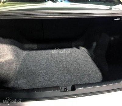 Đánh giá xe Honda Accord 2019: Khoang hành lý rộng hơn thế hệ cũ.