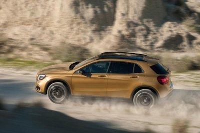 SUV bí ẩn của Mercedes-Benz chuẩn bị trình làng tại triển lãm VMS 2017  a5