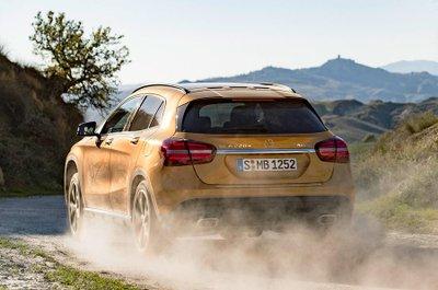 SUV bí ẩn của Mercedes-Benz chuẩn bị trình làng tại triển lãm VMS 2017  a4