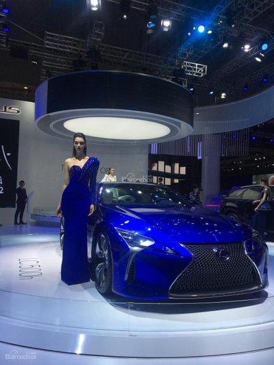 [VMS 2017] Chi tiết tuyệt phẩm xe xanh Lexus LC 500h mạnh 354 mã lực a1