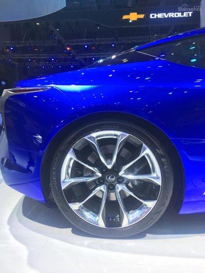 [VMS 2017] Chi tiết tuyệt phẩm xe xanh Lexus LC 500h mạnh 354 mã lực a9