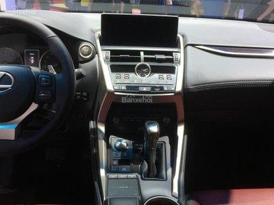 Cận cảnh crossover hạng sang Lexus NX 2018 tại triển lãm VMS a10