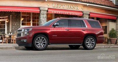 ô tô Chevrolet Tahoe màu đỏ