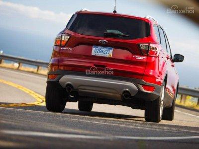 Ford Escape 2017 không lọt Top xe crossover cỡ nhỏ tiết kiệm nhiên liệu nhất.
