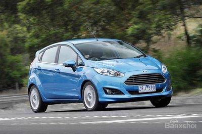 Ford Fiesta Sport được trang bị động cơ xăng tăng áp EcoBoost 1.0 lít 3 xi-lanh