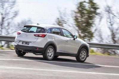 Mẫu xe tiêu chuẩn Mazda CX-3 Neo 2017 có giá khởi điểm là 15.990 USD